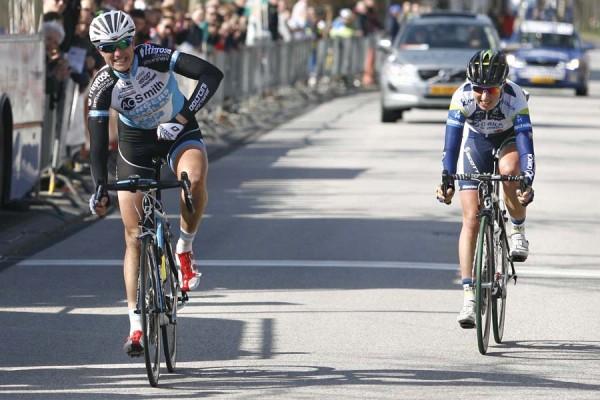 Vera Koedooder wint EPZ Omloop Borsele