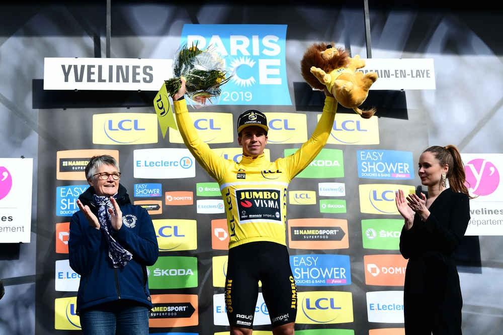 Groenewegen wint en leidt in Parijs-Nice