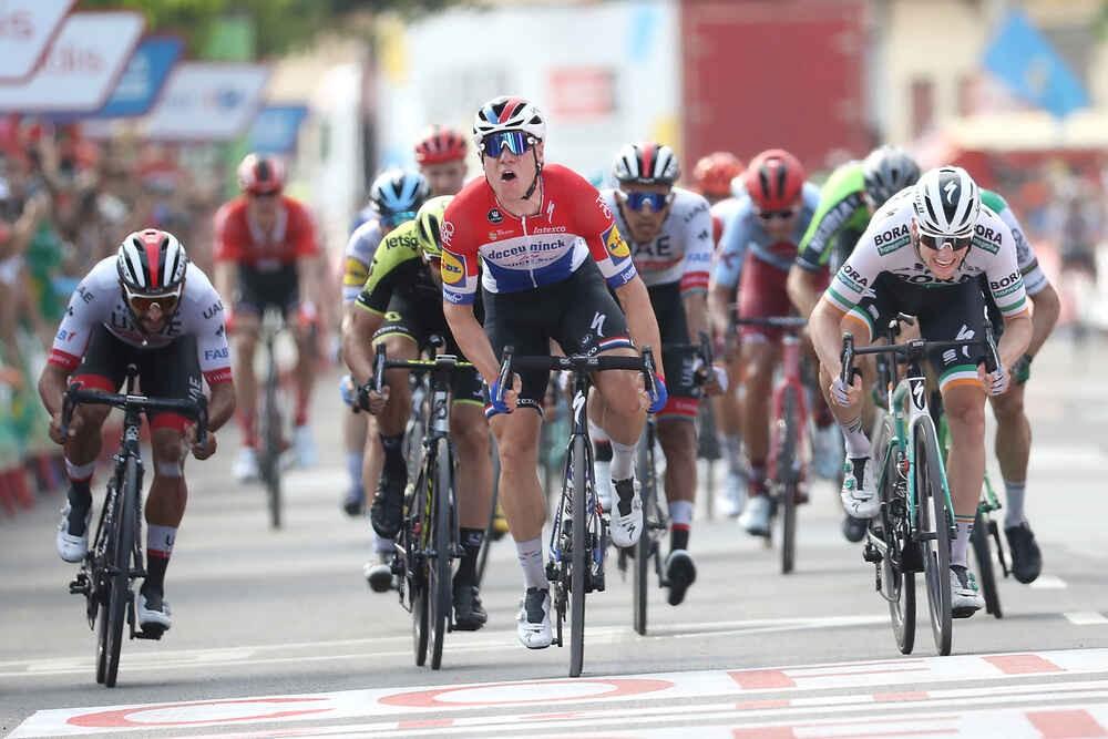 Jakobsen sluit Vuelta af met tweede ritzege
