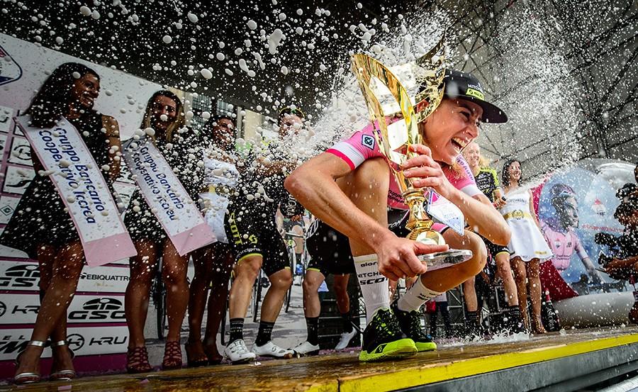 Vos en Van Vleuten juichen in Giro Rosa