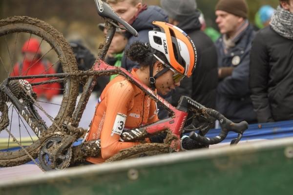 Alvarado topt Nederlands podium in Meulebeke