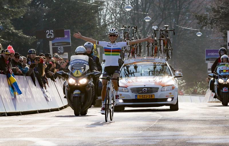 Armitstead wint Omloop Nieuwsblad voor Blaak