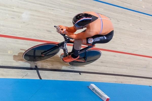 Beukeboom rijdt naar Nederlands record