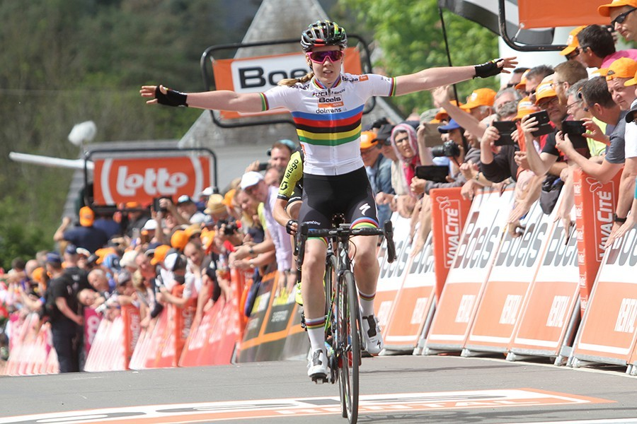Van der Breggen wint in California