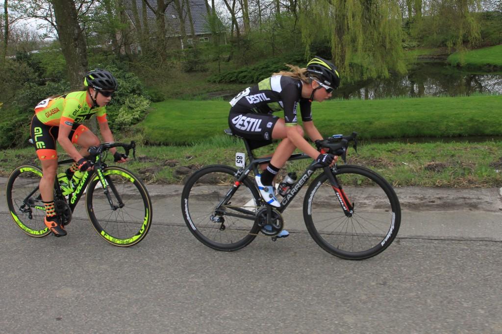 Eva Buurman tekent bij Drops Cycling