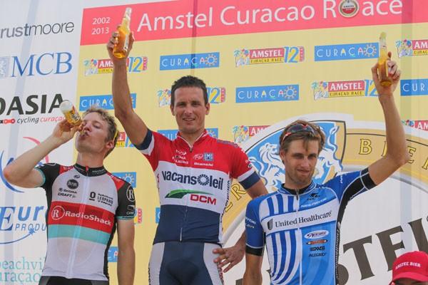 Hoogerland en Van Dijk winnen op Curacao