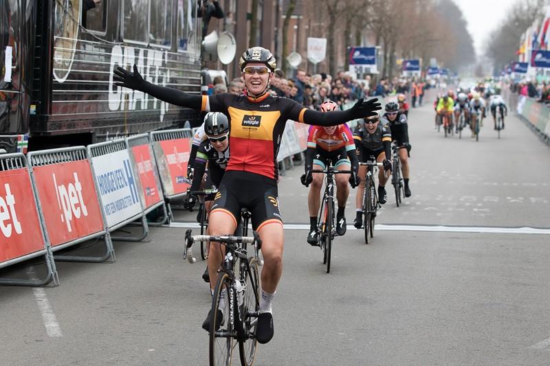 D'Hoore wint Boels WB Ronde van Drenthe