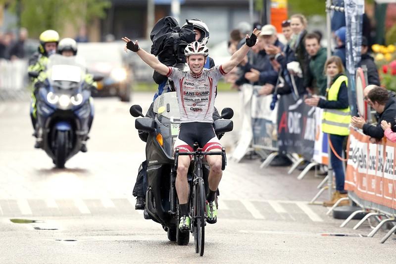 Matthijs Eversdijk wint Drielandenomloop
