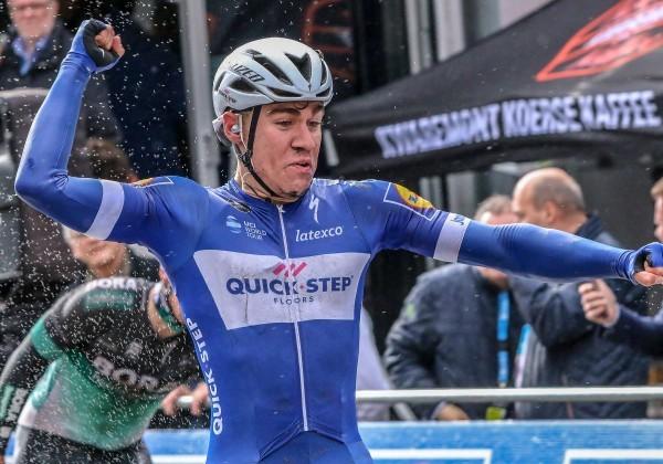 Jakobsen verlengt contract Deceuninck-QuickStep