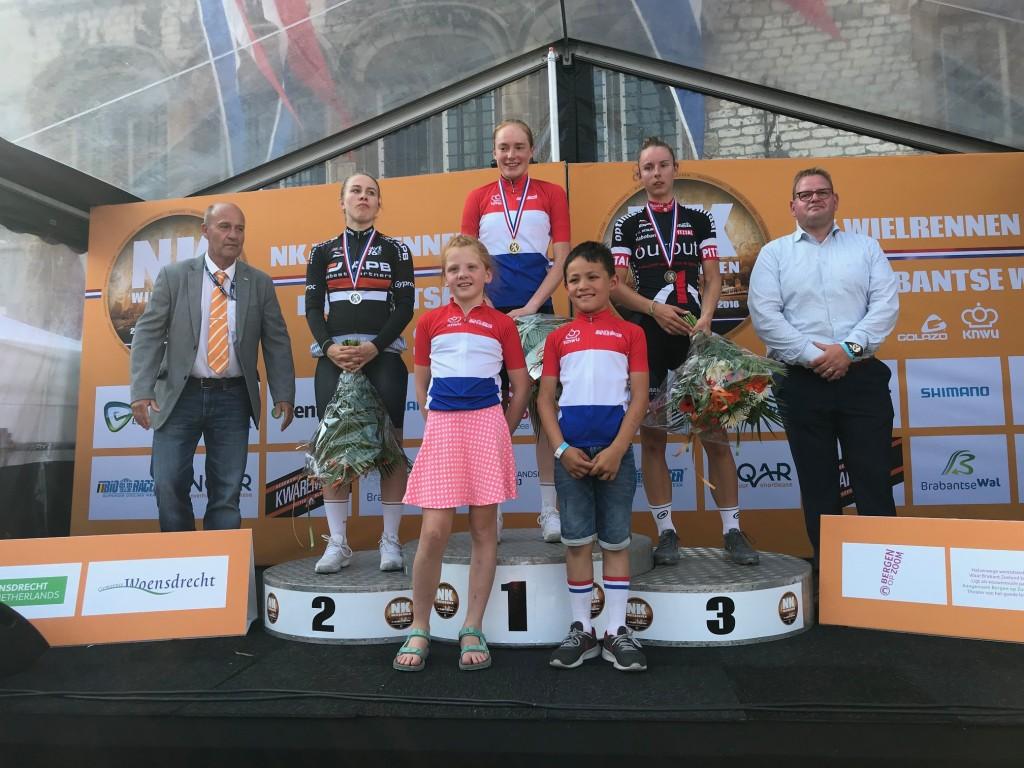 Ammerlaan wint goud op NK Tijdrijden junior-vrouwen