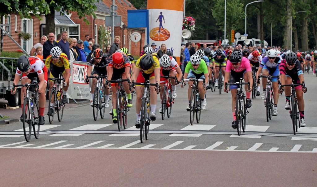 Kool en Vermeulen winnen criterium clubcompetitie Roden