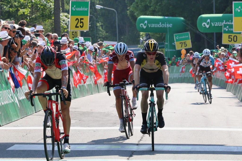 Kruijswijk stijgt een plek in de Ronde van Spanje