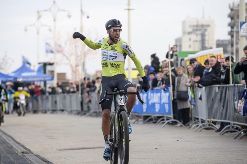 Ockeloen en Rooijakkers winnen in Frankrijk