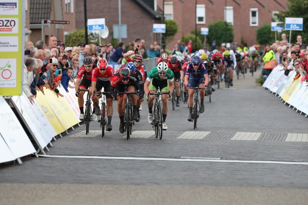 Philipsen wint vijfde etappe Olympia's Tour