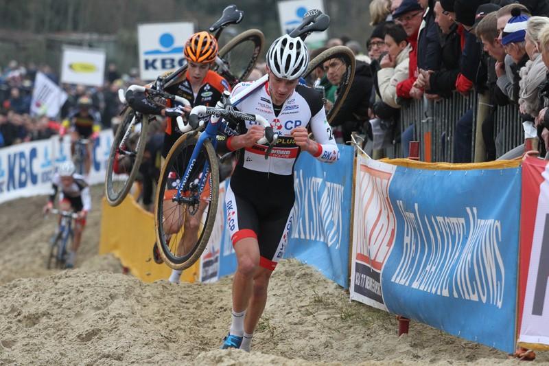 Mathieu van der Poel wint in Leuven