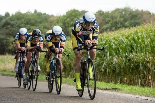 Domrenner en Jan van Arckel winnen Kop over Kop