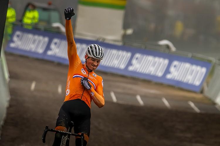 Van der Poel bezorgt Nederland 100 procent score