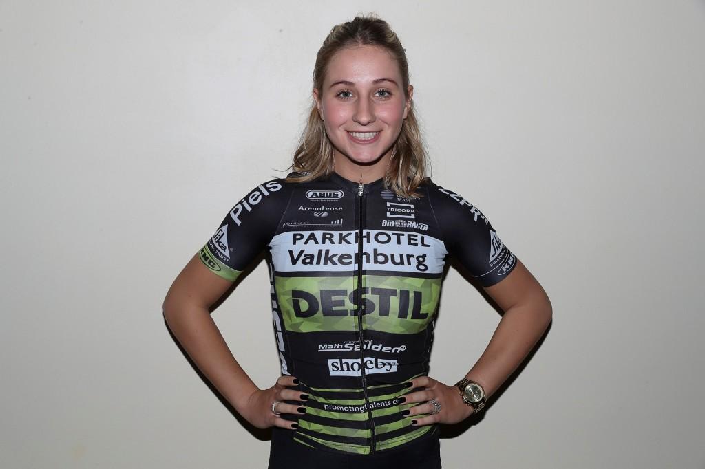 UCI-vrouwenploeg Parkhotel zelfstandig verder