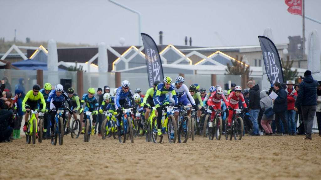 RegioBeachraces van start in Ouddorp Zuid-Holland
