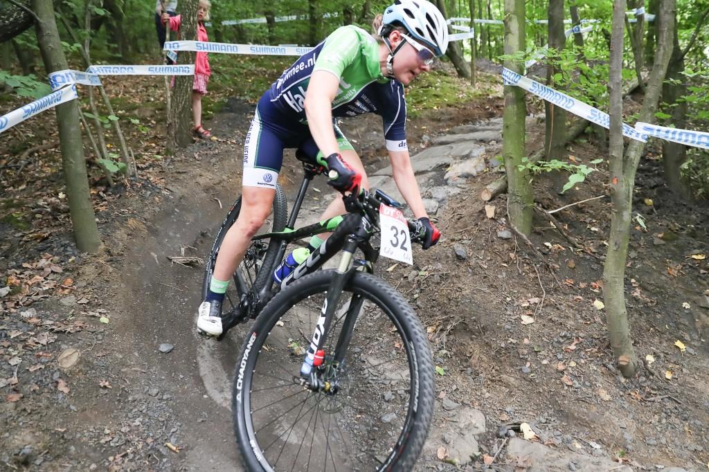 Tauber wint haar eerste nationale MTB-titel