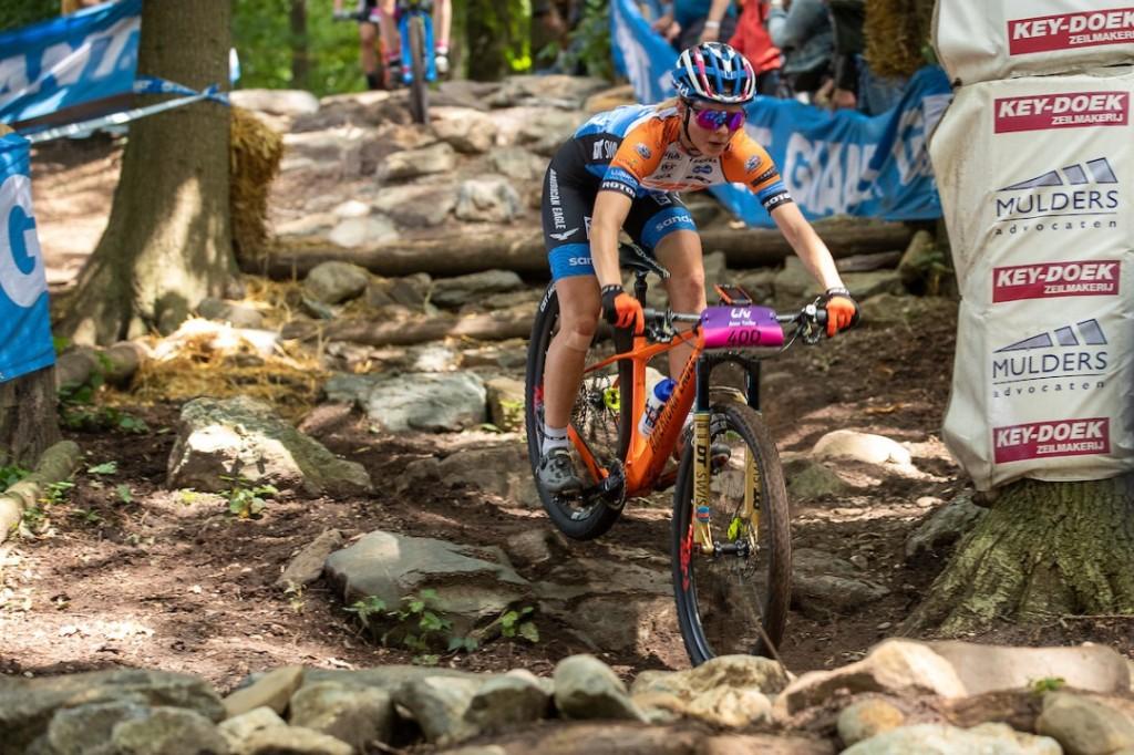 Anne Tauber maakt ook stappen op Col du VAM
