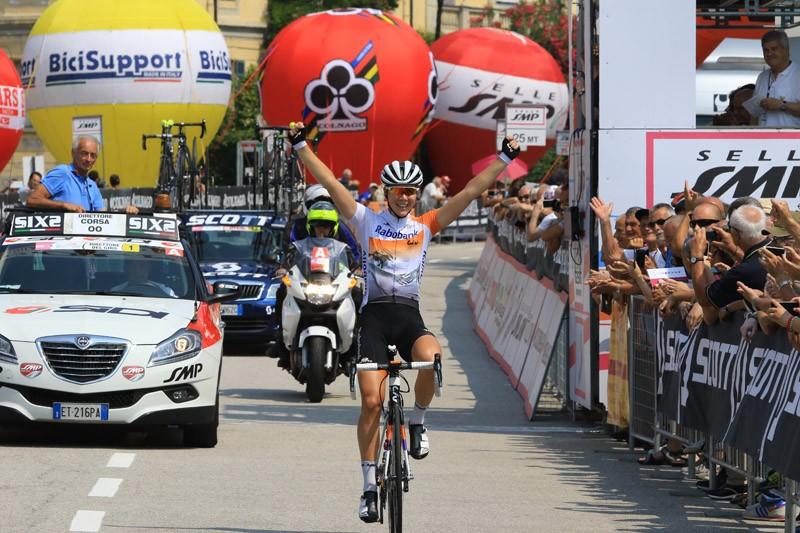 Thalita de Jong wint slotrit Giro Rosa