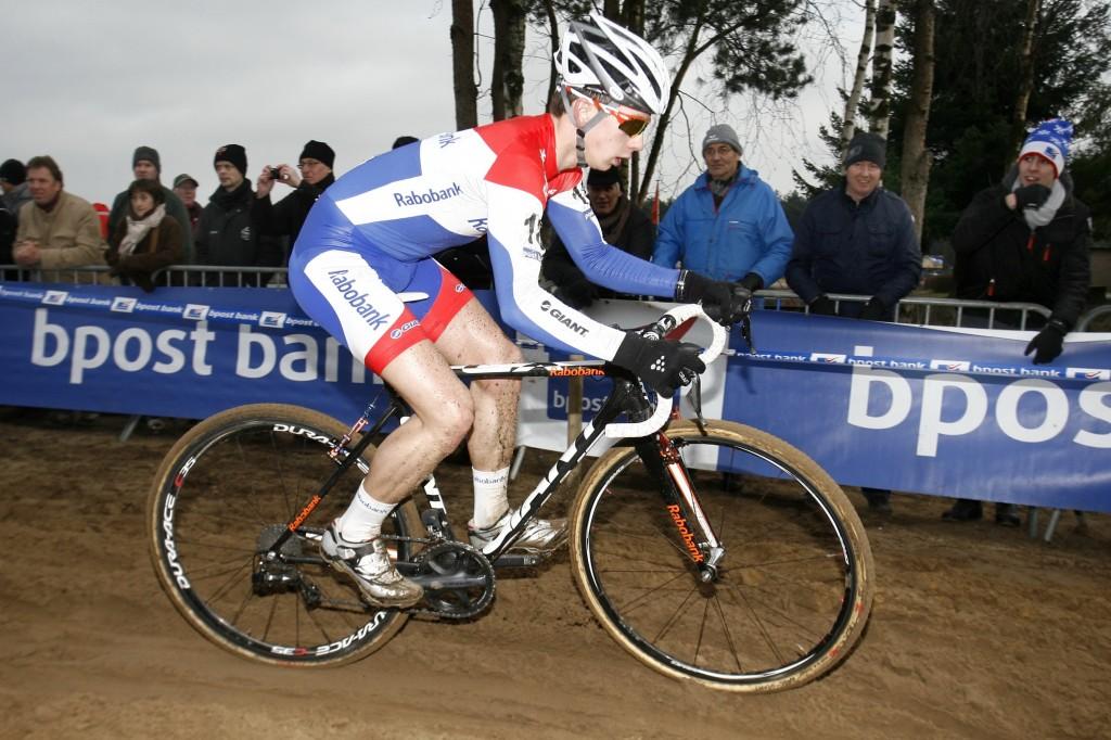 Lars van der Haar wint veldrit Valkenburg