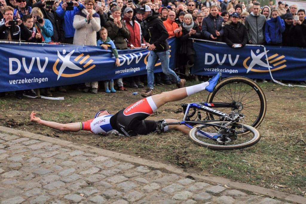Van der Poel wint op de mountainbike