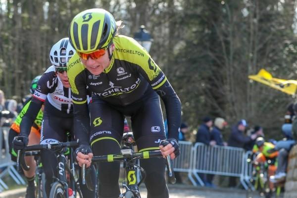 Nederlandse vrouwentop achter derny in Boxmeer