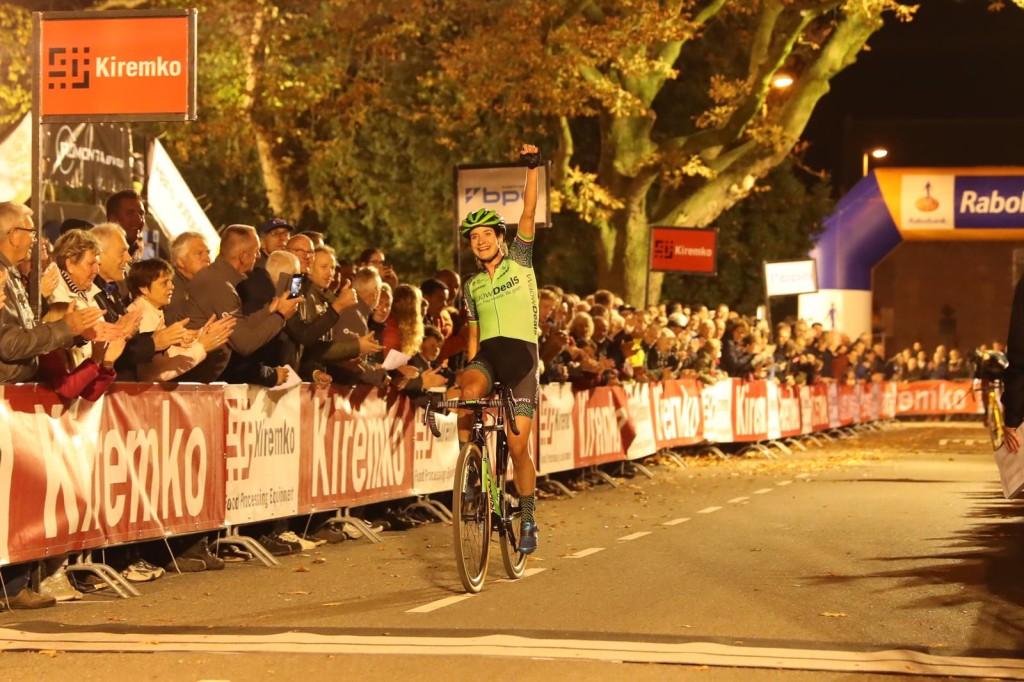 Vos en Worst stijgen op UCI-ranglijst