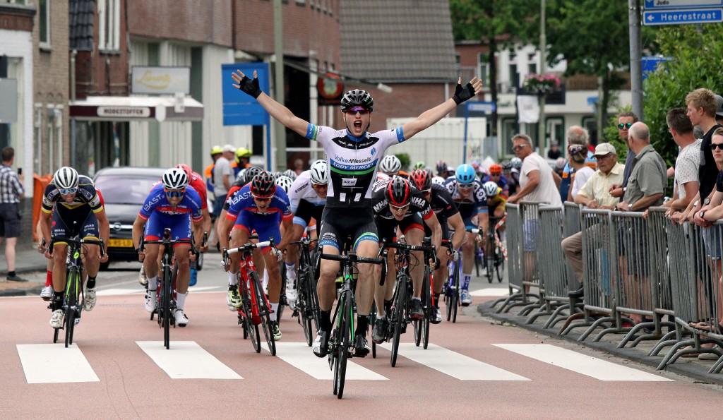 Jelle Wolsink wint in Roden