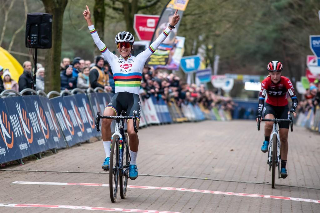 Alvarado verslaat Worst ook in Lille