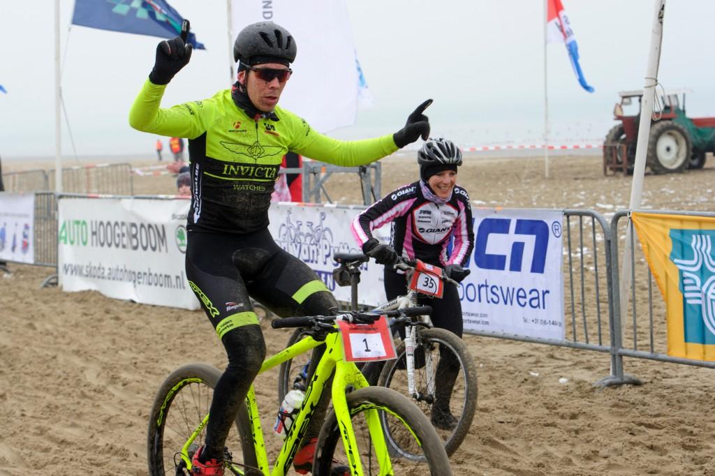 Ronan van Zandbeek Nederlands kampioen strandrace