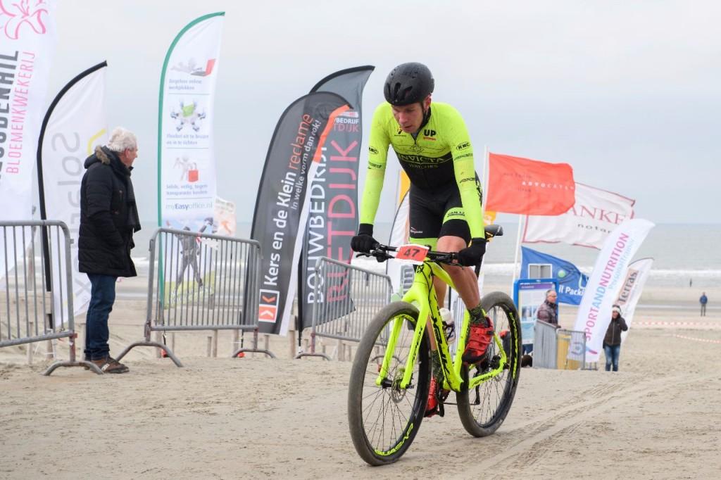 Ronan van Zandbeek winnaar RegioBeachraces Goeree-Overflakkee