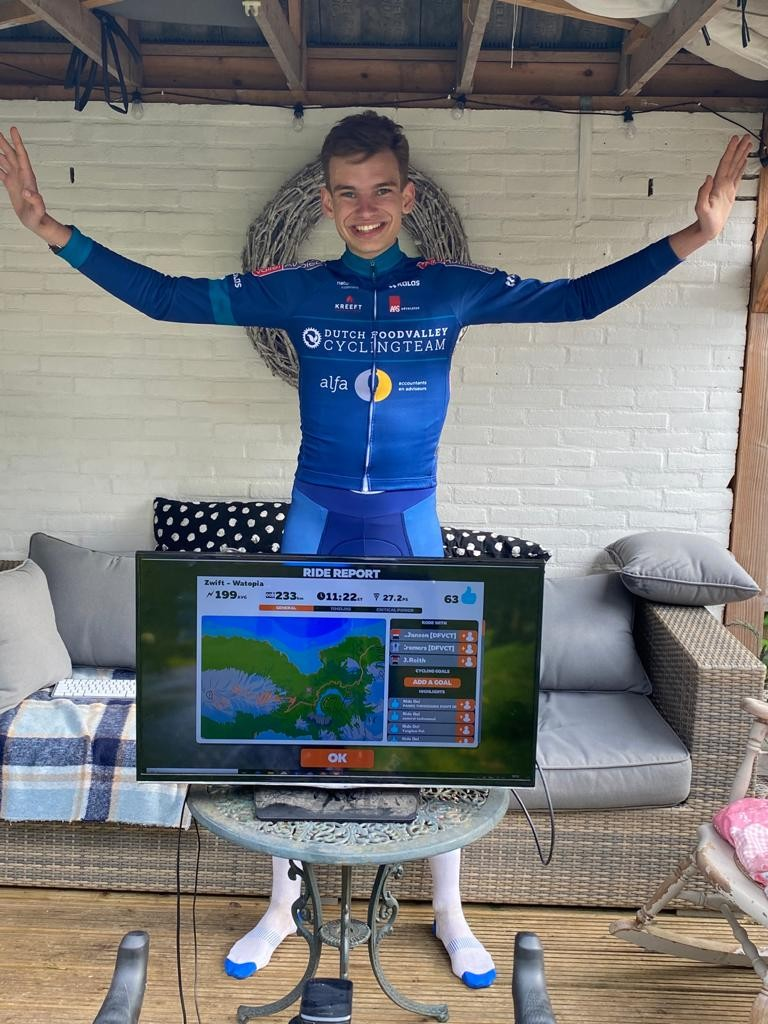 Duo Dutch Food Valley CT volbrengt Everesting Challenge