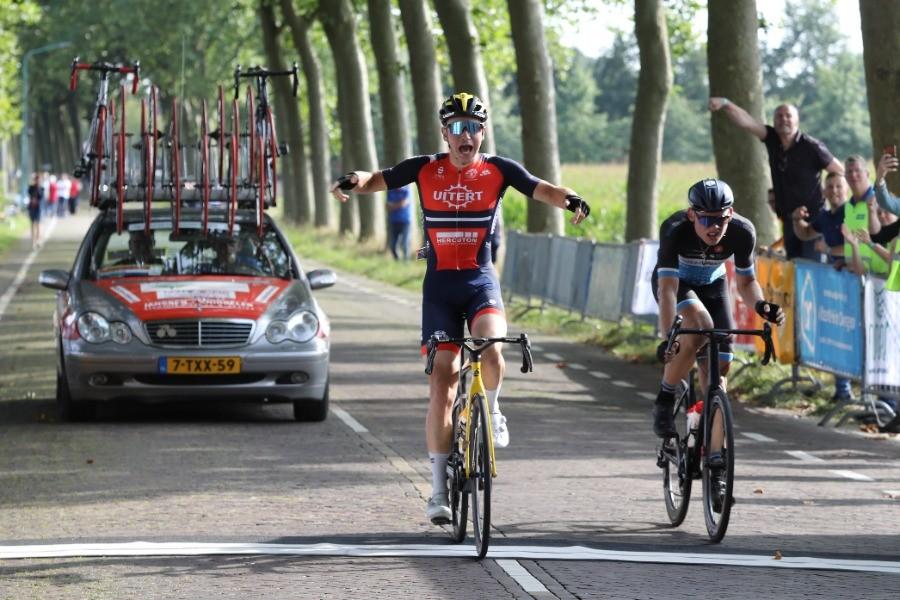 Van Veenendaal wint Ronde van Midden-Brabant