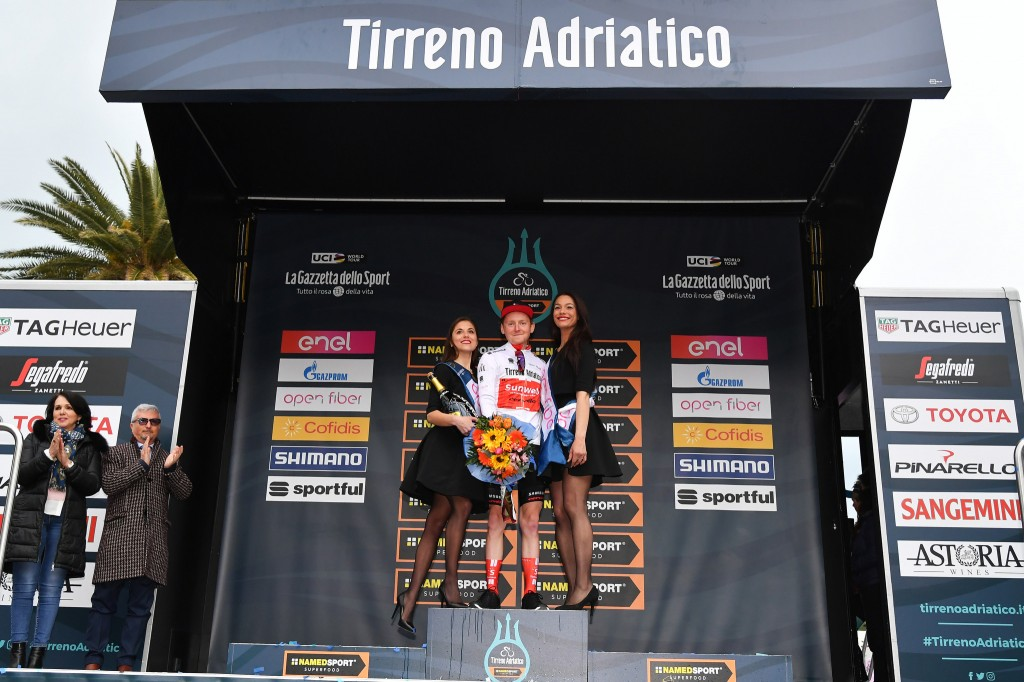 Sam Oomen beste jongere in Tirreno