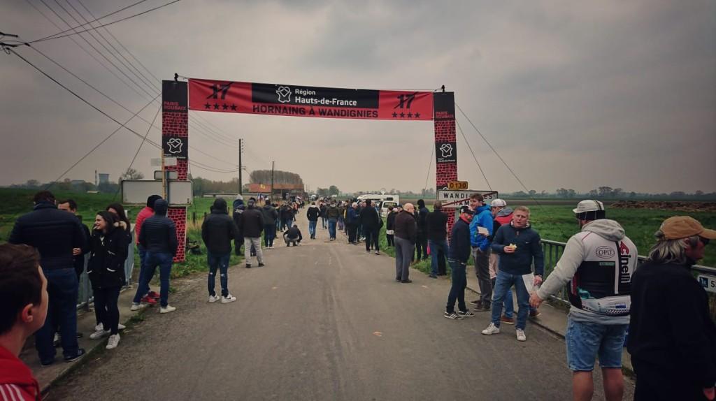 In het spoor van de renners naar De Hel