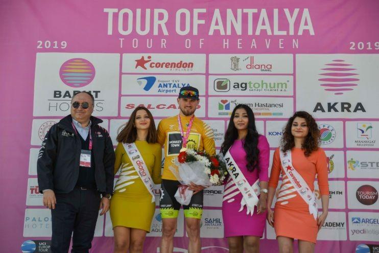 Van der Kooij wint tweede rit Antalya