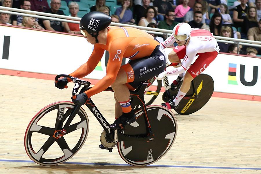 Lavreysen naar goud op sprint in Manchester