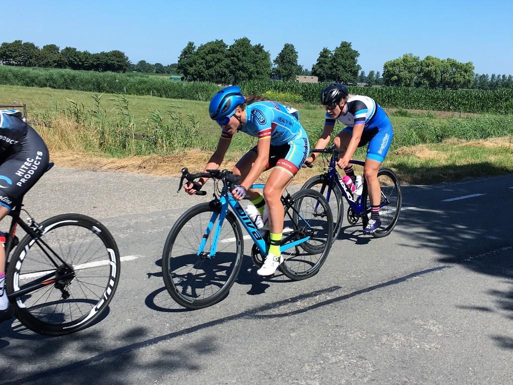 Bakker en Van Witzenburg blijven bij team