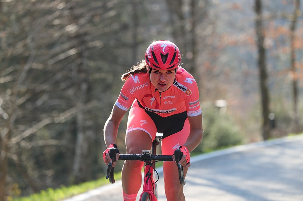 Boels-Dolmans rijdt AGR in roze voor Pink Ribbon