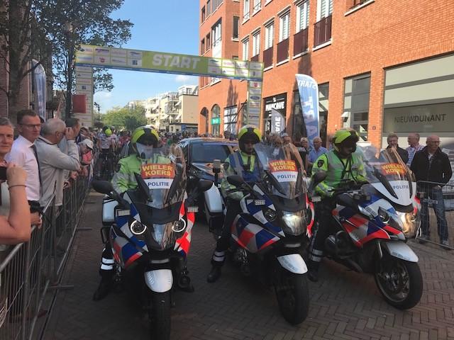 Politiebegeleiding juniorenklassiekers op de tocht
