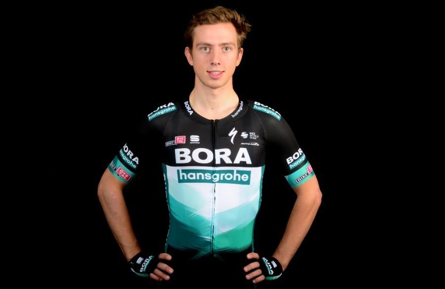 Schelling net naast podium in Brabantse Pijl