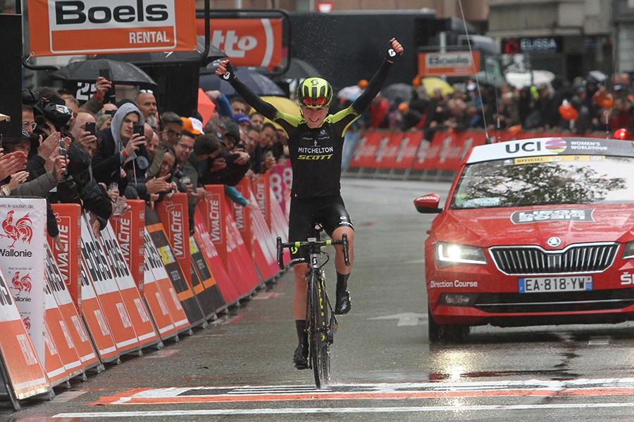 Van Vleuten wint Luik