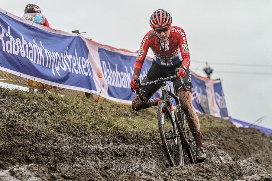 Lucinda Brand wint in Hoogerheide