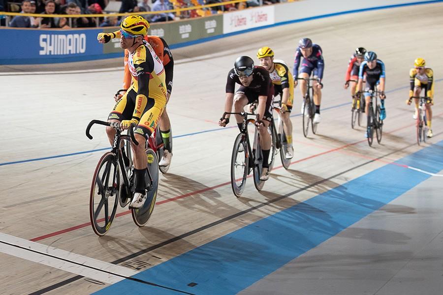 Wim Stroetinga wint NK scratch