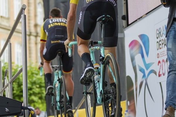 Zwart domineert shirt LottoNL-Jumbo in Tour