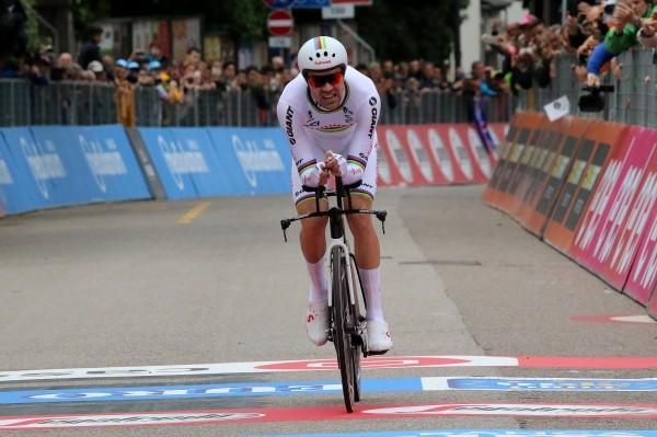 Dumoulin wint en mag als tweede naar Parijs