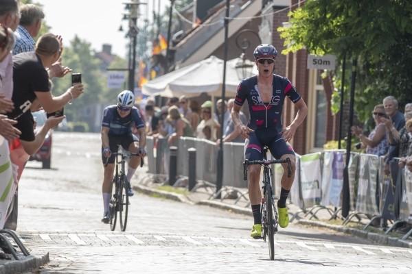 Van den Berg wint Midden Brabant Poort Omloop